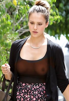 Celebrity Downblouse Pics