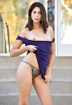 Downblouse Models Pics