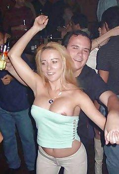 Nightclub Downblouse Pics