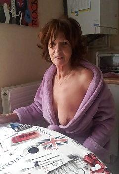 Granny Downblouse Pics