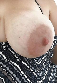 Big Boobs Downblouse Pics